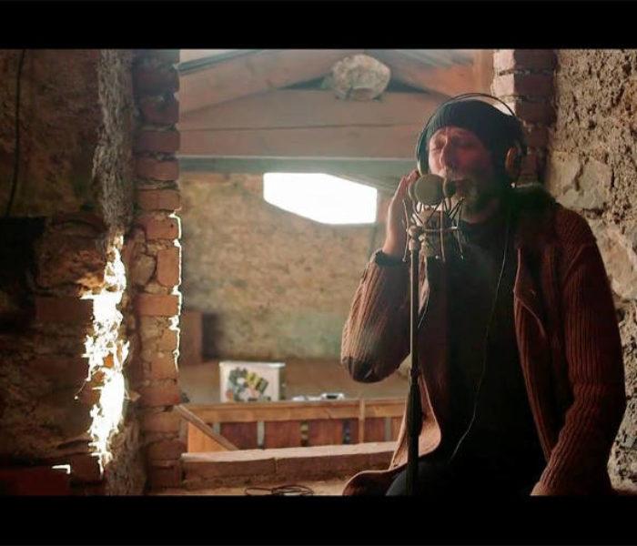 """Paolo Cattaneo: il nuovo video è """"Due età un tempo (live session)"""" #TRAKOFTHEDAY"""