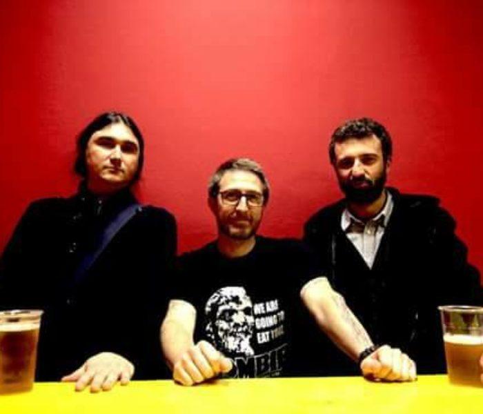 Three Horns: intervista, recensione e streaming
