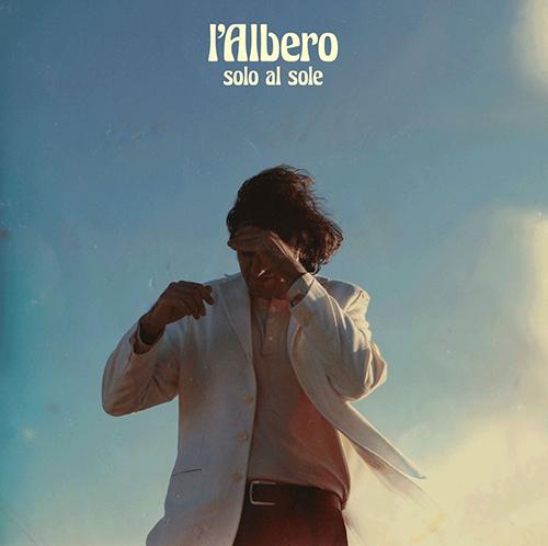 """L'Albero, """"Solo al sole"""": recensione e streaming"""