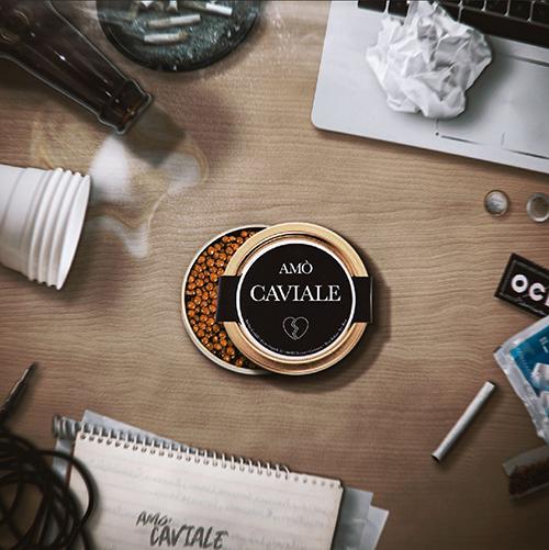 """Amò, """"Caviale"""": recensione e streaming"""