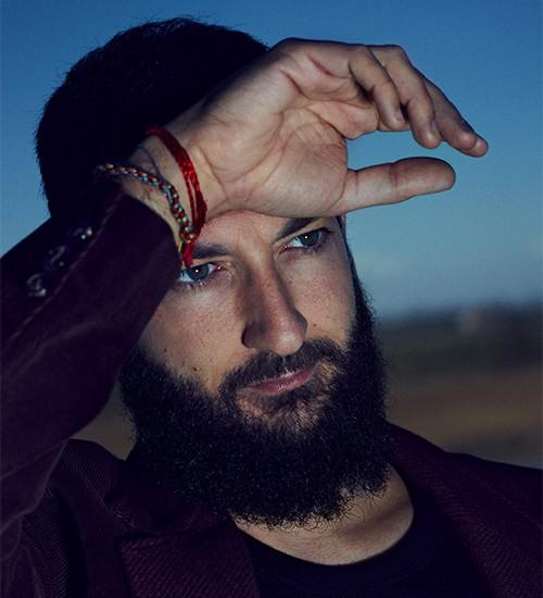 Vasco Brondi: le canzoni rafforzano il sistema immunitario dell'Anima