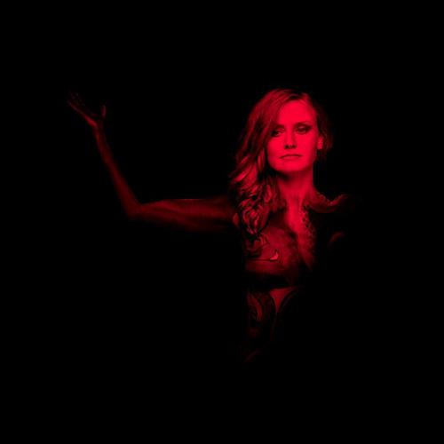 "Chiara White, ""Pandora"": recensione e streaming"